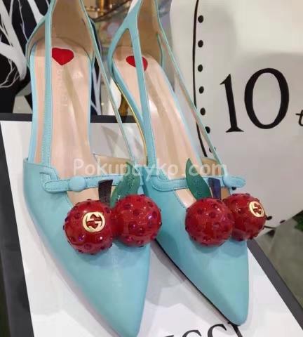 Купить женские босоножки Gucci с вишенками в интеренет магазине ... fce418ce8a2
